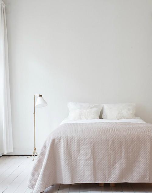 Verschrien als Mädchenfarbe kann Rosa auch anders: Eine Designerin, eine Stylistin und ein Möbelhersteller  zeigen die minimalistische Seite der Farbe ...