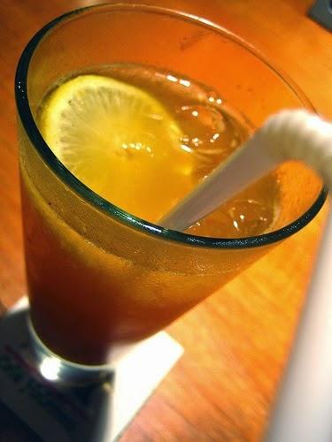 Resep Membuat Soda Es Lemon Tea Segar Praktis