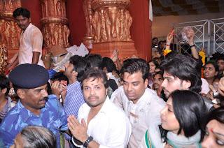 Himesh with Sur Kshetra team at Ganesh Mandal
