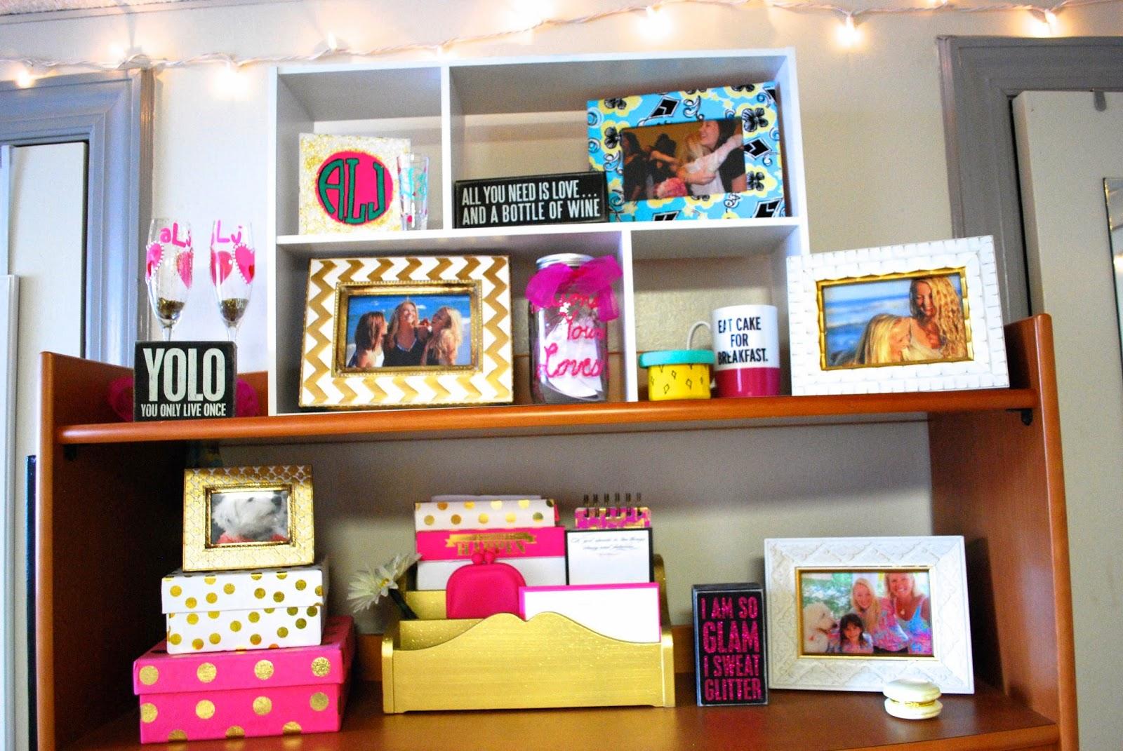 i believe in pink dorm room desk. Black Bedroom Furniture Sets. Home Design Ideas