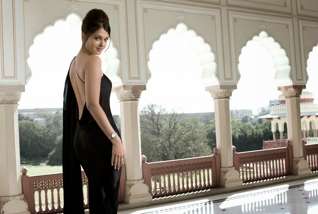 http://funkidos.com/bollywood/aishwarya-rai-bachchan-stunning-hot-backless-photoshoot
