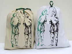 Las Niñas, Pouch bags
