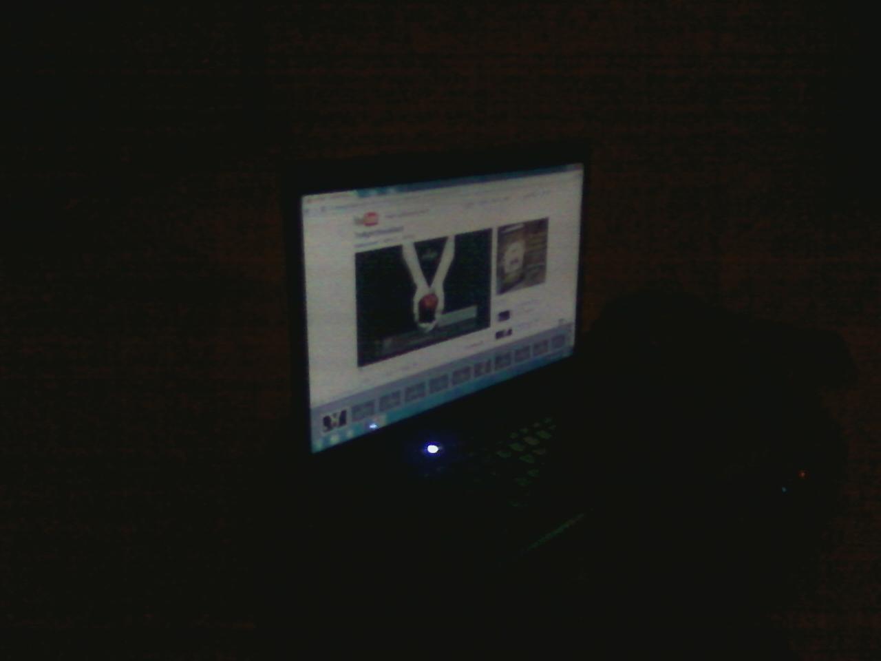 http://1.bp.blogspot.com/-_TTjpapujak/TevY26nVvQI/AAAAAAAAAMs/DDhDdzjeUrg/s1600/Laptop.jpg