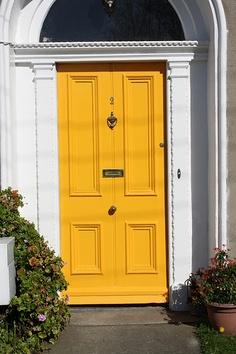 Stephanie Kraus Designs: Shut the Front Door!
