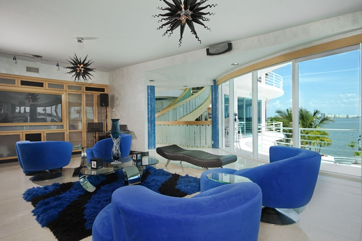 Blue furniture in Modern villa in Tampa Bay