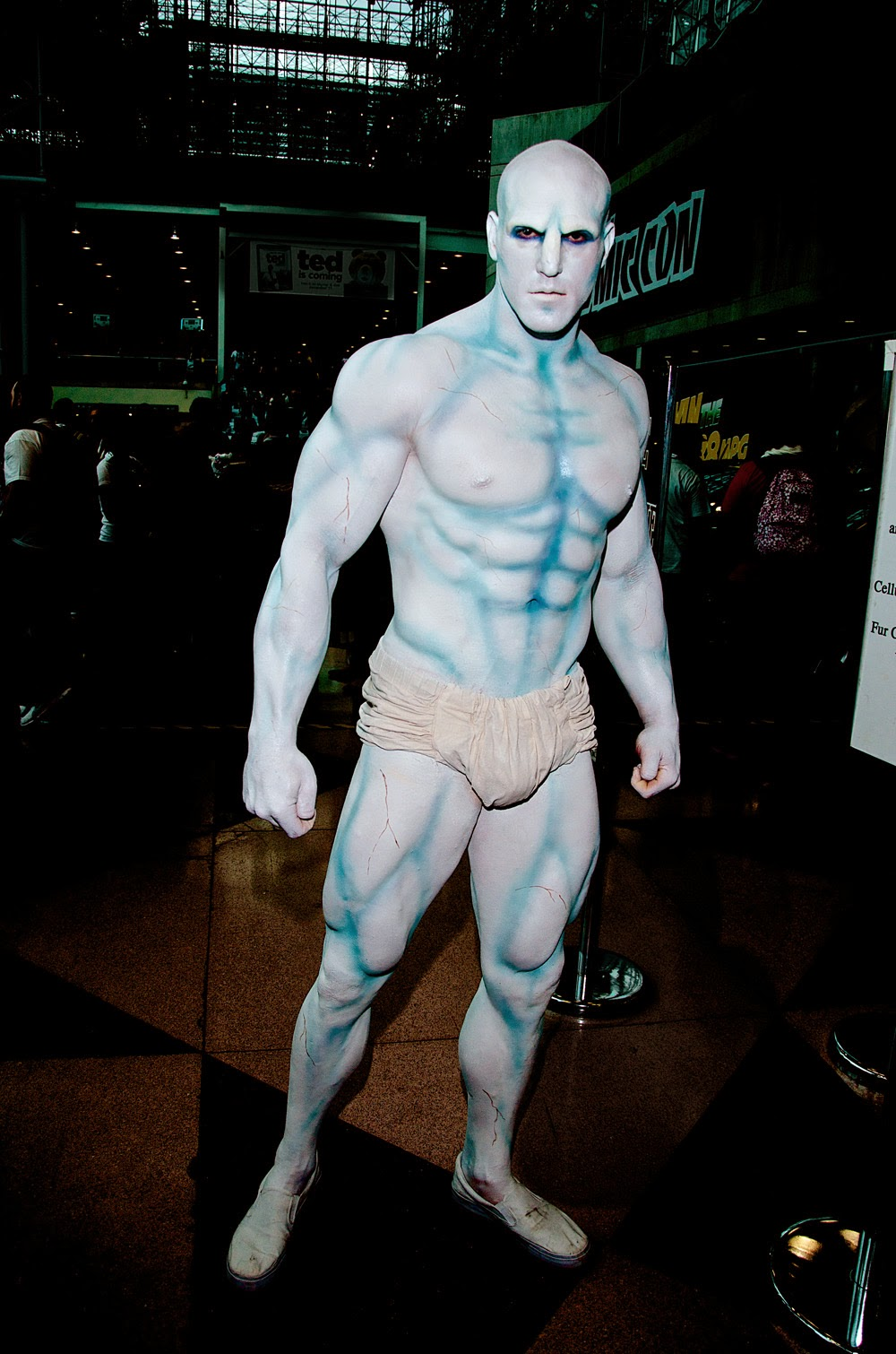 photo de cosplay body paint de la NY con 2012 inspiré de watchmen