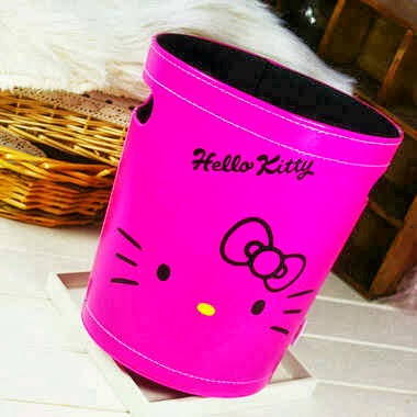 Tempat sampah hello kitty