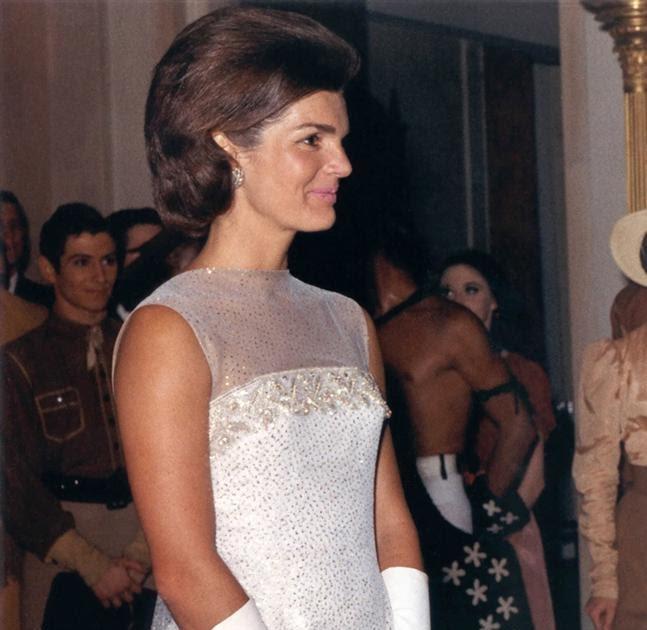 Fashion V&M: Jacqueline Kennedy /Onassis/