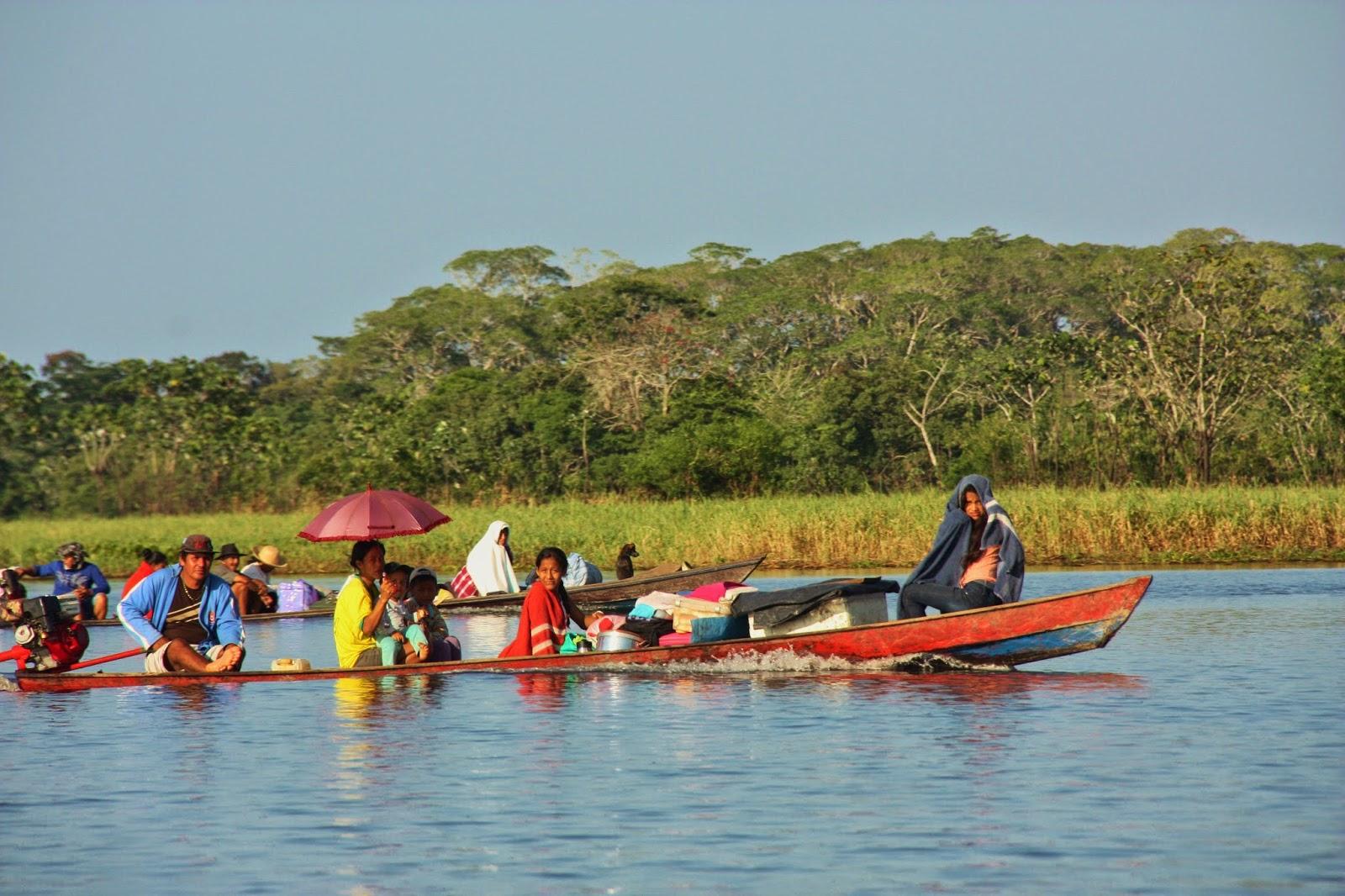 Nativos da Amazônia, durante experiência de Turismo de Base Comunitária na Reserva de Desenvolvimento Sustentável Mamirauá