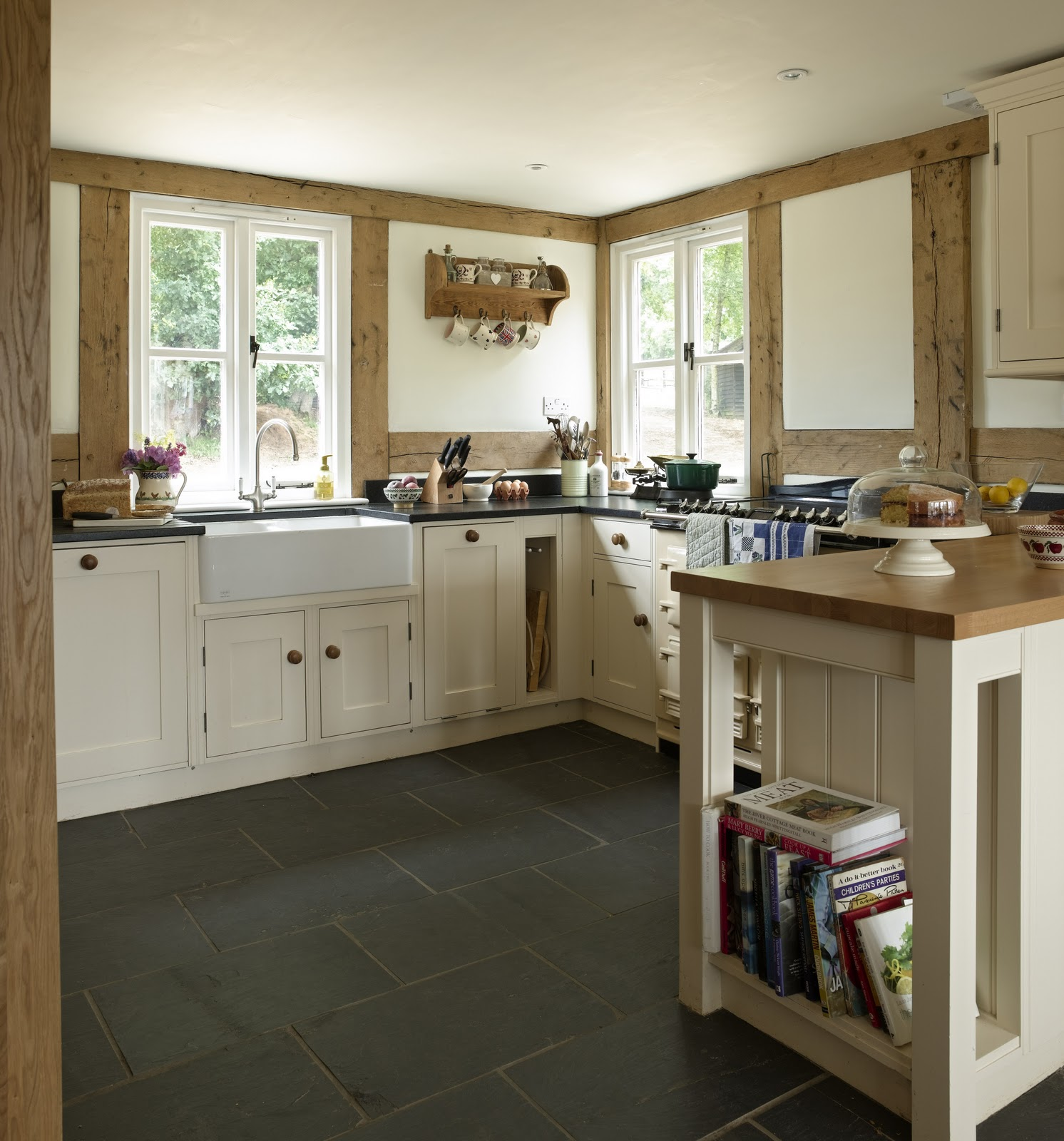 Cottage Kitchen Photos: From Little Acorns.........: A Lovely Oak Framed Cottage