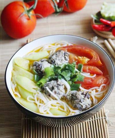 Vietnamese Noodle Recipes - Bún Mọc Dọc Mùng