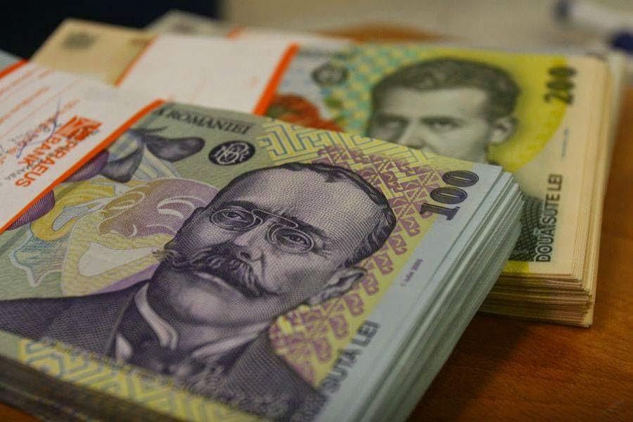 Se ieftinesc creditele bancare sau cele nebancare?