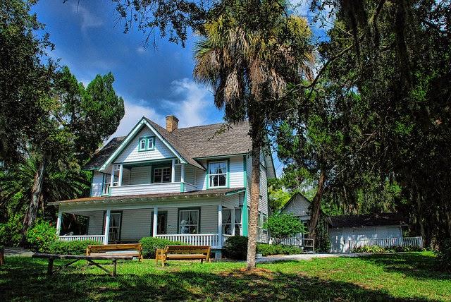 contoh rumah klasik