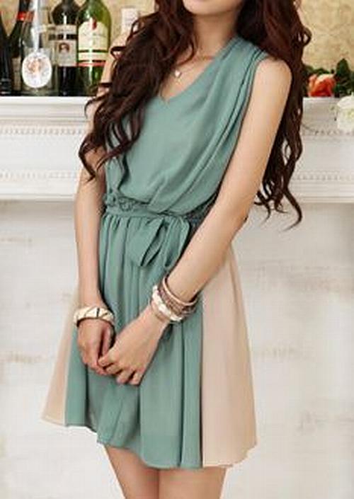 street style: tone-tone (khaki and moss) dress