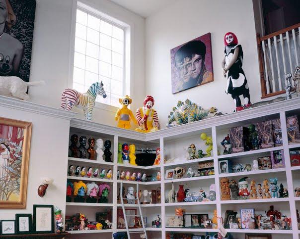 http://1.bp.blogspot.com/-_UW7-Eqquoo/Tl-UEOtb-XI/AAAAAAAAEF8/ZBVKrrm7akE/s1600/ron-english-studio-visit-18a.jpg