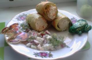 Кабачки фаршированные курятиной, сыром и сметаной в мультиварке