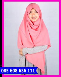 Hijab segi empat untuk kondangan