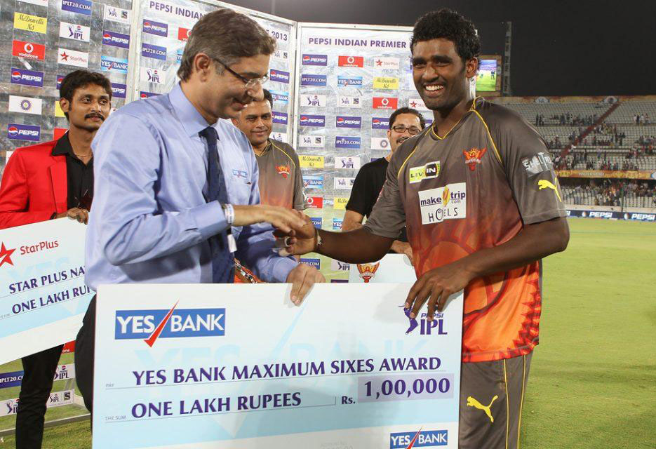 Thisara-Perera-Maximum-Sixes-SRH-vs-KXIP-IPL-2013