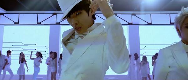 MBLAQ Lee Joon Smoky Girl