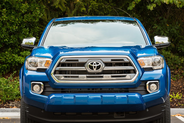 2016 Toyota Tacoma Limited front view