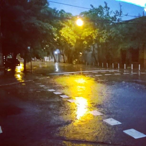 Día húmedo en la ciudad