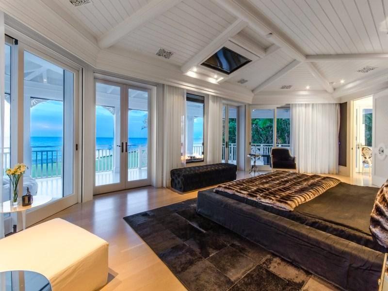 Bedroom in Custom built celebrity home for Celine Dion