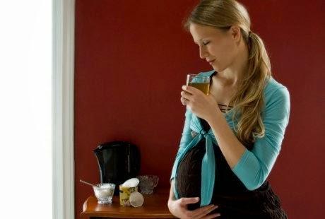 Agar bayi tak lahir prematur, kurangi minuman manis saat hamil