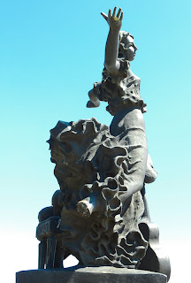 Орел, Памятник Н.С.Лескову, Очарованный странник, вандализм