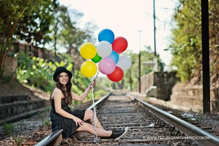 book fotos 15 anos bh, book debutante bh, festa 15 anos, festa debutante bh, fotografia 15 anos bh, com livros e balões