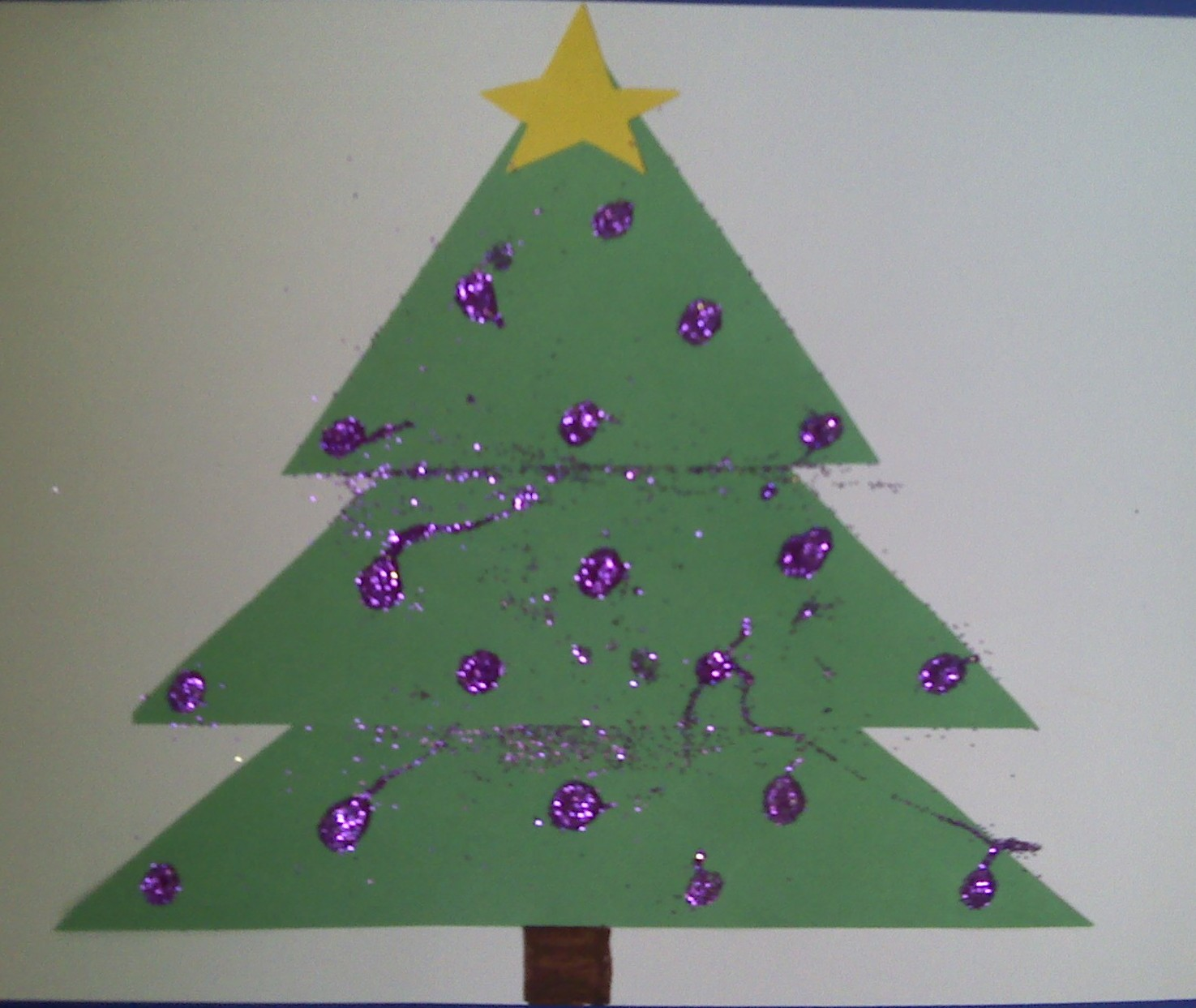 Christmas Tree Crafts Kindergarten : Crafts for preschoolers triangle christmas tree