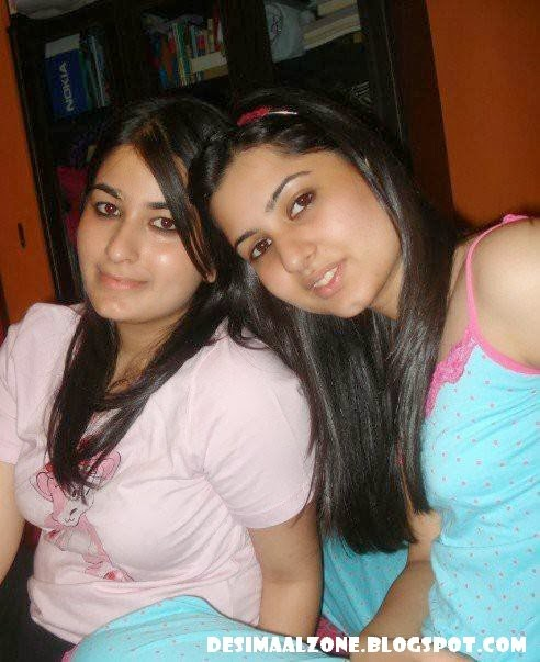 Desi GirlFriend Home Girls In Shorts