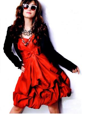 http://1.bp.blogspot.com/-_VuSMTg-Sr4/Twhi8ZPEF7I/AAAAAAAACpI/M7oizBppFhs/s1600/2012+women+fashion+clothes.jpg