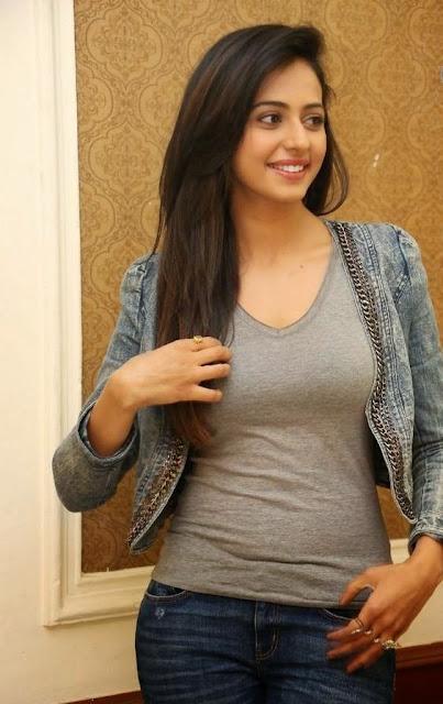 Rakul Preet Singh Hot Stills Navel Queens