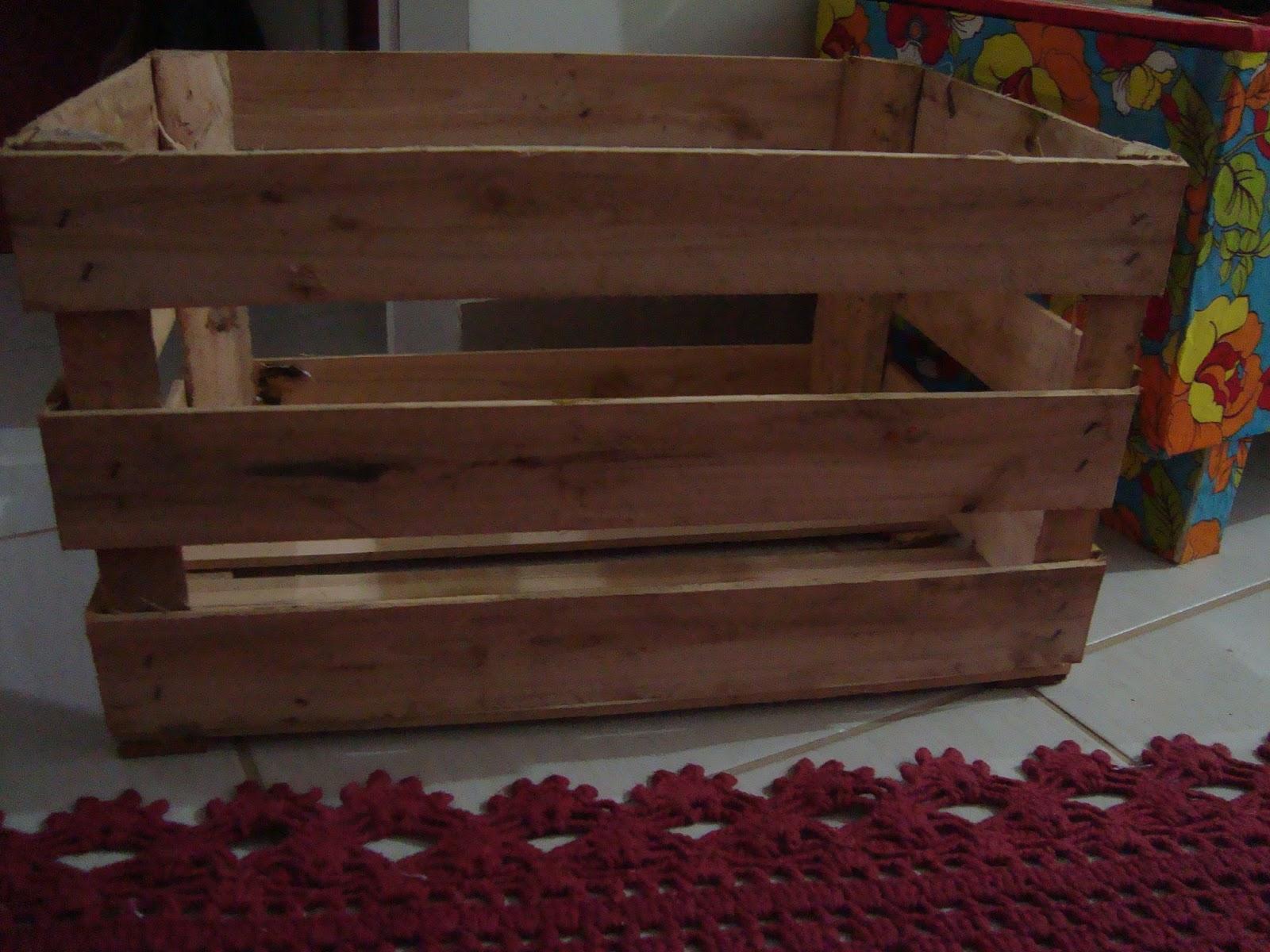 Gostosuras: Caixote de madeira reciclado e transformado em baú #603C30 1600x1200
