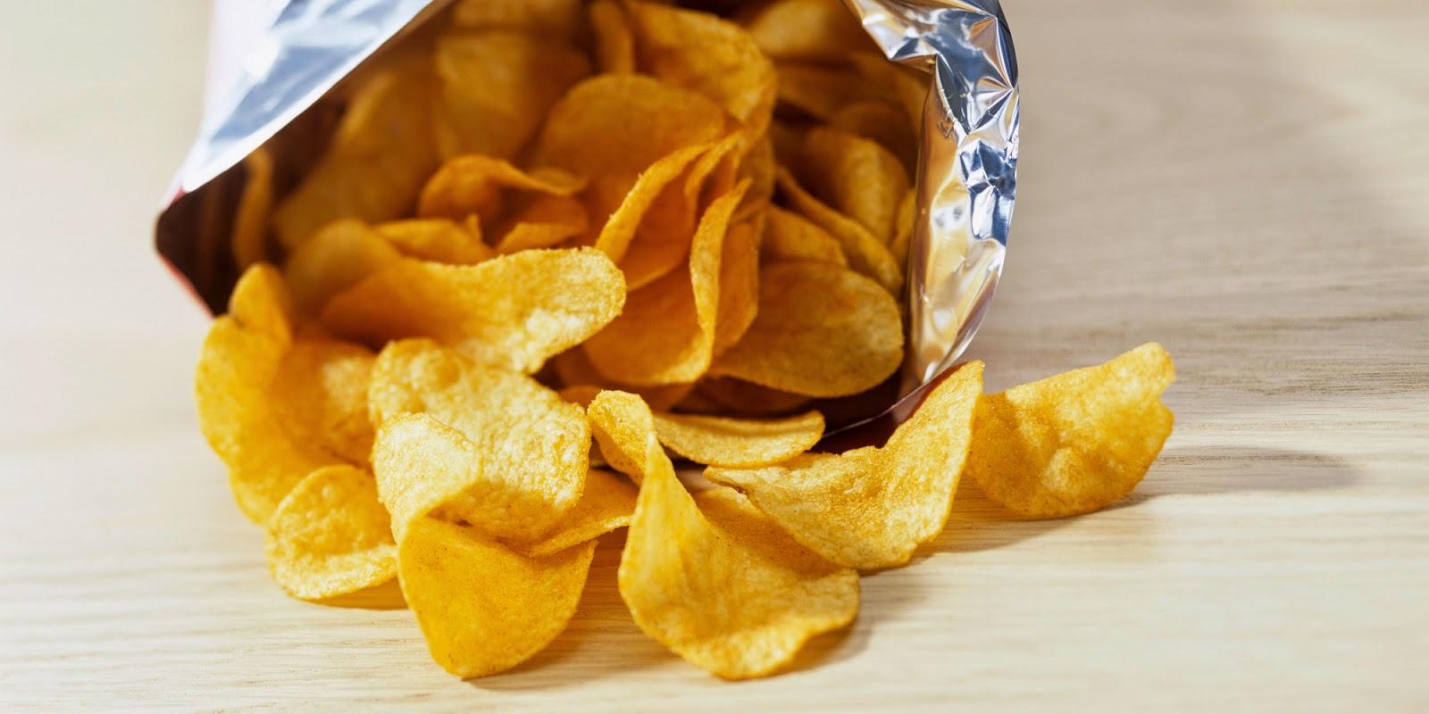 أضرار الشيبس على صحة الاطفال   Kids and potato chips