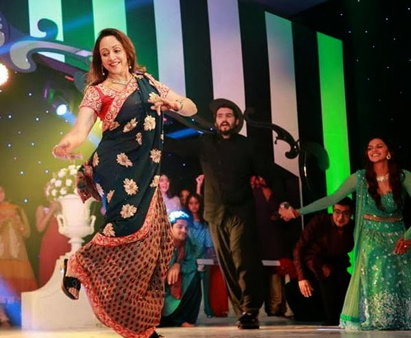 Hema Malini Dance in Music Ceremony