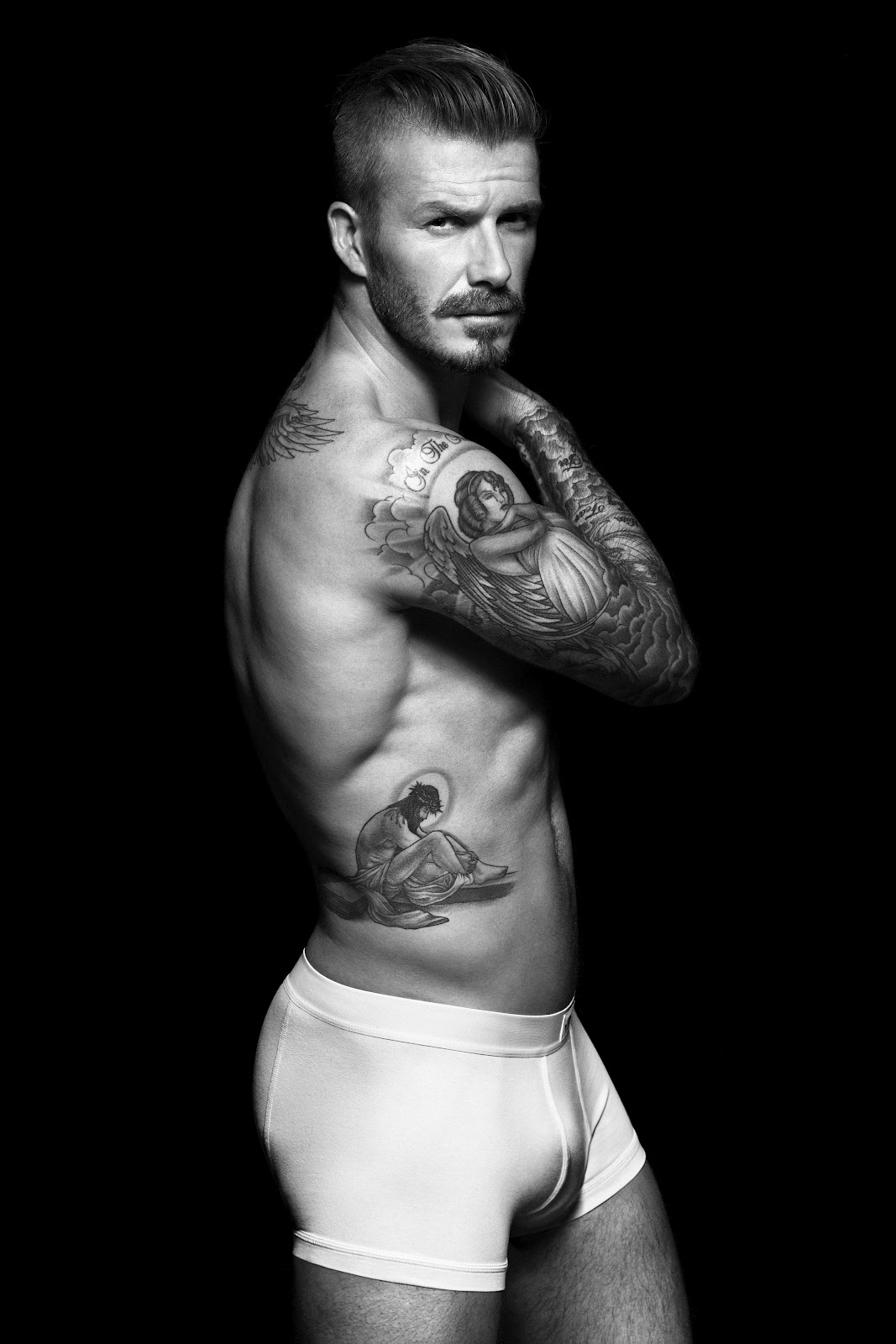 http://1.bp.blogspot.com/-_WGsfvJJ1jc/UEfIG4Q25PI/AAAAAAAALTs/-L7WuTAc3po/s1600/David+Beckham+underwear.jpg