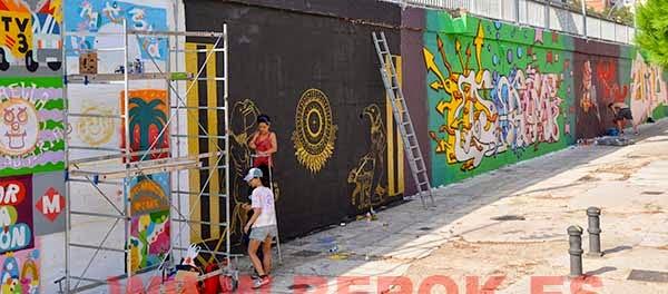 Grafiteras pintando , Mina