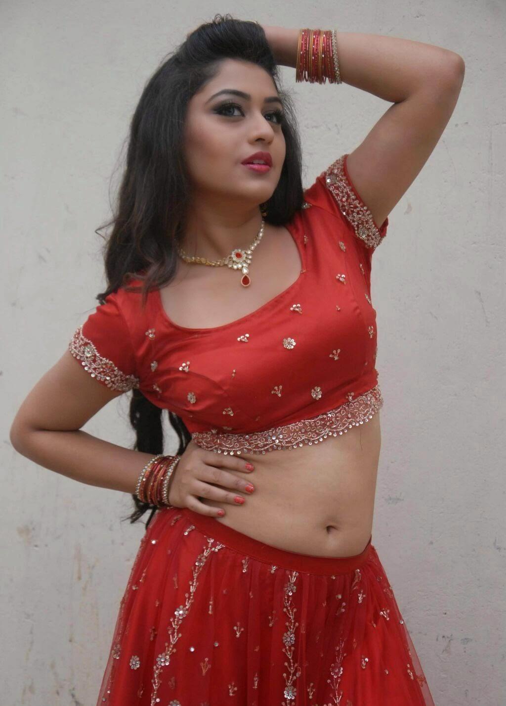 Kannada Actress Ramya Hot Navel In Saree Images & Pictures - Becuo