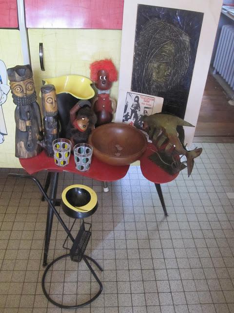 60s glasses ,  teak bowl , sculpture fish , T-Rex record , Elchinger vase , 50s ashtray 1950 1960 1970