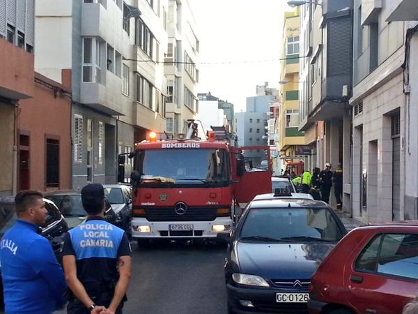 rescatada una persona incendio barrio guanarteme bomberos
