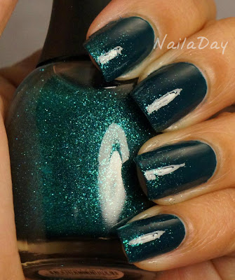 NailaDay: CQ Slate with Finger Paints Art You Wondering?