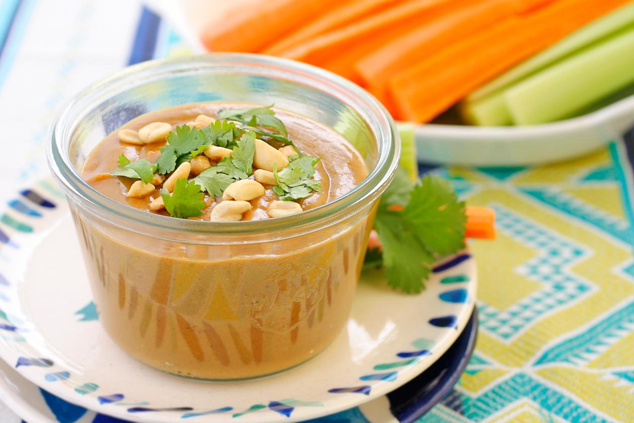 Laura Friendly: Thai Peanut Butter Sauce (vegan & gluten-free)