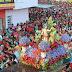 Mar vermelho de fiéis marca a Procissão de São Sebastião em Limoeiro