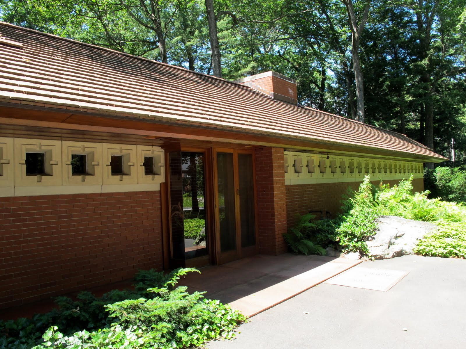 The well appointed catwalk visiting frank lloyd wright 39 s for Zimmerman house