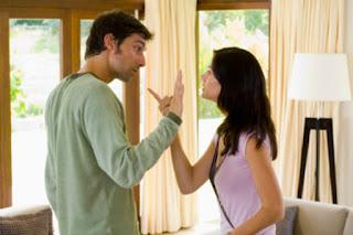 Cara Menarik Perhatian Pasangan