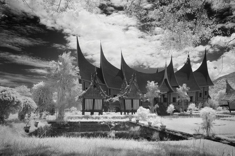 Download this Rumah Adat Minangkabau Gadang Padang Panjang picture
