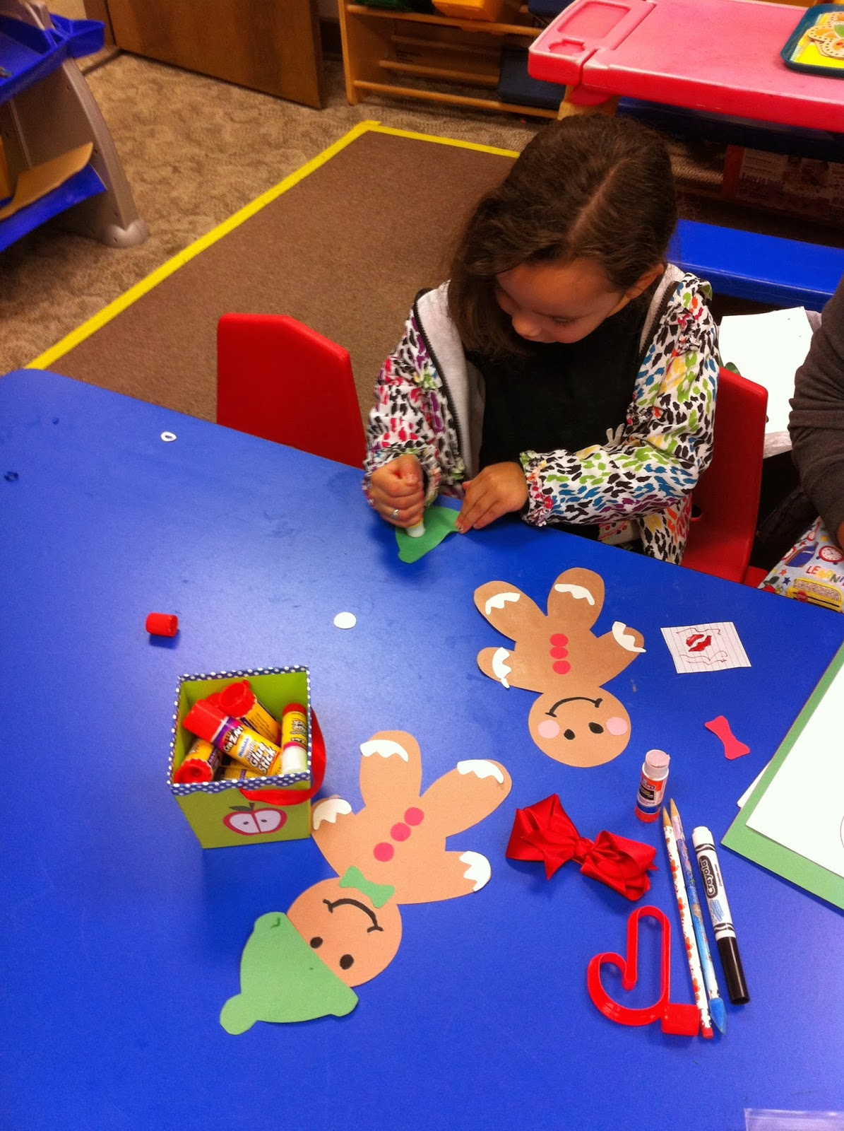 Gingerbread man art ms vonda 39 s pre k at all god 39 s for K decorations trading