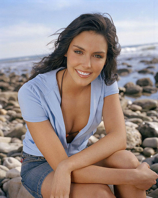 Actress & Model Picture: Cute Taylor Cole Looking Hot