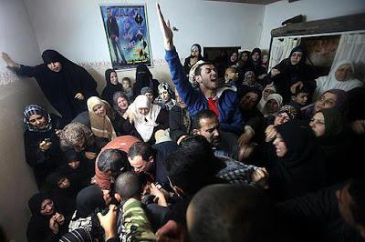 Imagens fortes-atenção- crimes de Israel - foto 29